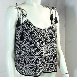 AEO AMERICAN EAGLE TASSEL SLEEVELESS BLOUSE S/P